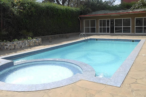 Kirichwa_heights_apartments_swim-pool